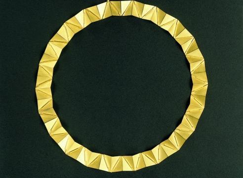 Triangles necklace by Batho Gündra