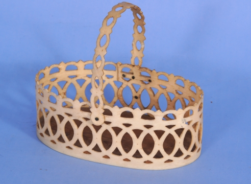 Pan Bone Scrimshaw Basket with Swing Handle