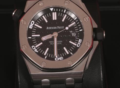 Audemars Piguet Royam Oak Off Shure Stainless steel Watch Ref.15703st