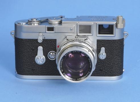 Leica Silver Body Single Stroke camera with Leitz 50mm F2 Lens