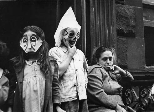 Helen Levitt: Twists and Turns