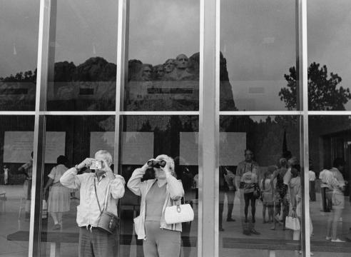 Lee Friedlander Mount Rushmore 1966