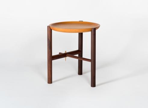 Ocum High Side Table / Ania Wolowska