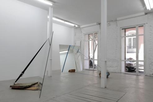 Jose Dávila's 'Actos tectonicos de duda y deseo'