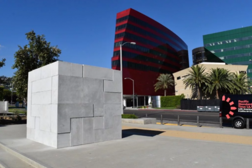 Artist Jose Dávila Plans a Portrait of LA by Sending Out Blank Sculptures—and Waiting for the Graffiti to Arrive