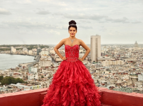 A German Photographer's Meditation on Havana's Quinceañeras