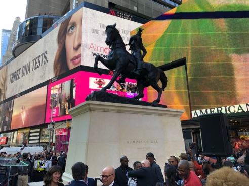 In Times Square, Artist Kehinde Wiley Raises Monument to a New Kind of History