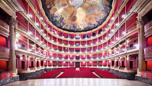 Photographer Candida Höfer Captures Grand Mexican Architecture in New Exhibition