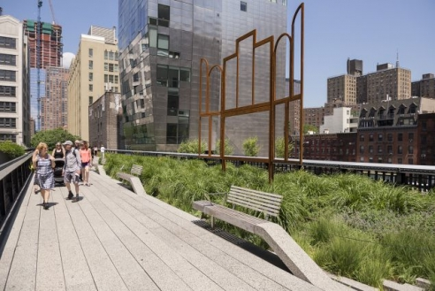 The Most Frequently Stolen Artwork in History Is...On the High Line?
