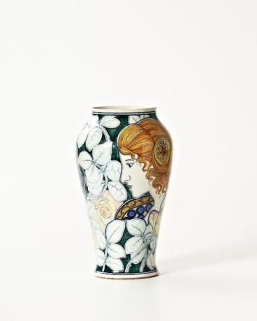 Pre-Raphaelite Daman