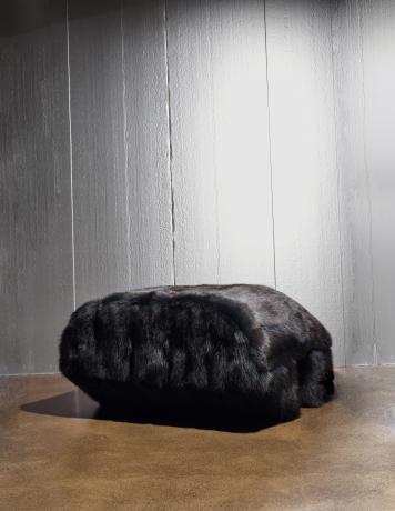 Single Prong Black Fur