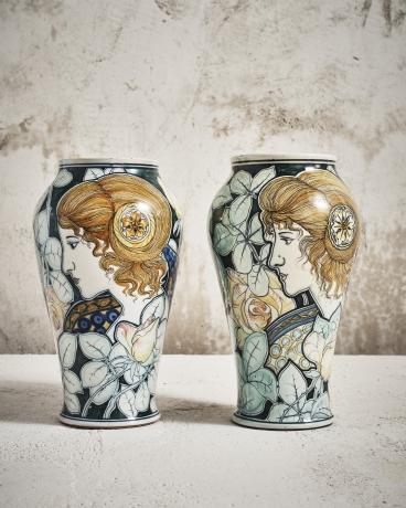Pre-Raphaelite Ladies