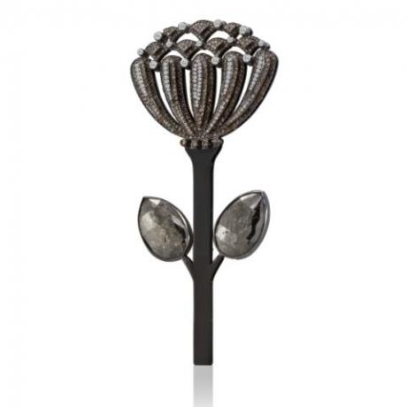 Chrysanthemum Pin