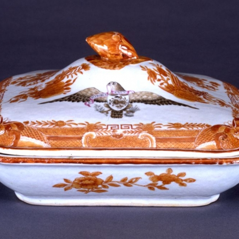 Covered Square Vegetable Dish in Orange Fitzhugh with Sepia Eagle from the Captain William Orne Service