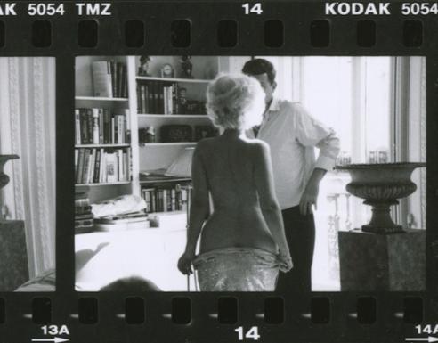 Marilyn undressing for JFK