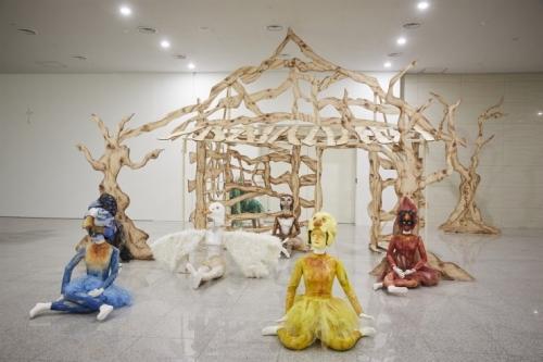 Marnie Weber brings whimsical world to Busan