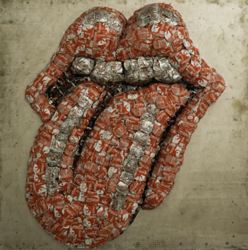 New York Rolling Stones Exhibition Attracts Massive Lines of Adoring Fans