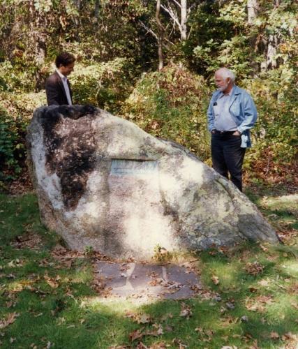 Robert Arneson visits Pollock's tomb