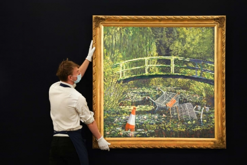 CNN ARTS | Banksy Show me the Monet