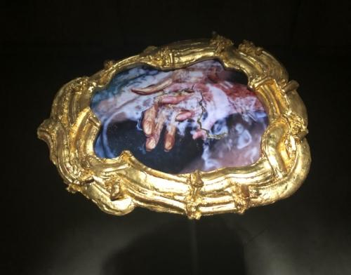 Antoni sculpture hands