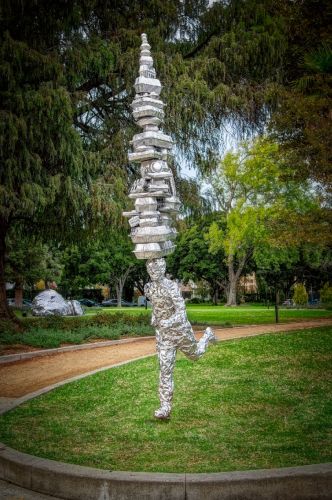 "Tom Friedman's ""Takeaway"" Sculpture at Beverly Gardens Park"