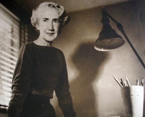 Biography / Clara Porset (1895 - 1981)