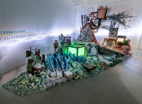 Julie Schenkelberg indoor installation