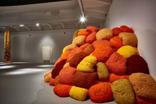 Sheila Hicks: Thread, Trees, River