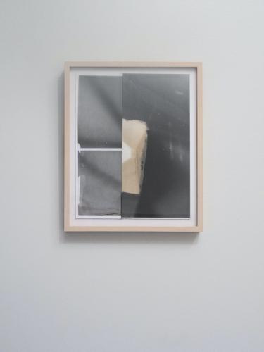 "Gordon Moore, ""Division"" (2016), latex and potassium ferocianide on photo emulsion paper, 11 x 13 ½ inches (image courtesy Lauren Henkin)"