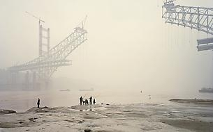 "Züritipp Review of Nadav Kander's ""Yangtze - The Long River"""