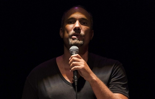 A Life of Violence: Roger Guenveur Smith at the Contemporary Arts Center