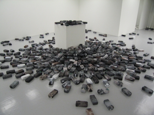 Bachsteintauben (Brick Pigeons), installation view at Haas & Fischer Gallery, 2008