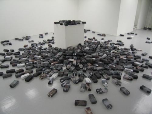 Bachsteintauben (Brick Pigeons), installation view at Haas & Fischer Gallery, 2008