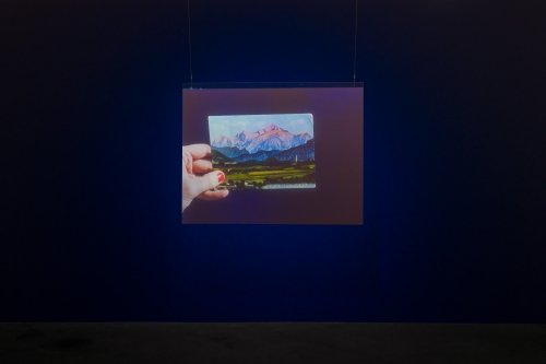 Elise Rasmussen, Did you know blue had no name?, installation view, 2018.