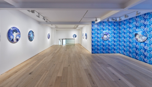 Installation view, XOXO at Galerie Perrotin, Seoul, South Korea, 2017. Curated by Kibum Kim.