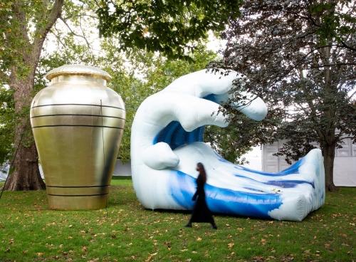 Installation view at Frieze Sculpture, London, 2021.
