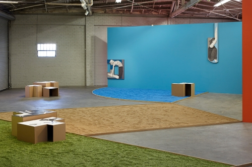 Unwinding Unboxing, Unbending Uncocking installation view, 2015.