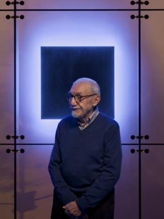 Stephen Antonakos, 1926-2013
