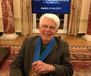 Wolf Kahn receives 2017 Medal of Arts