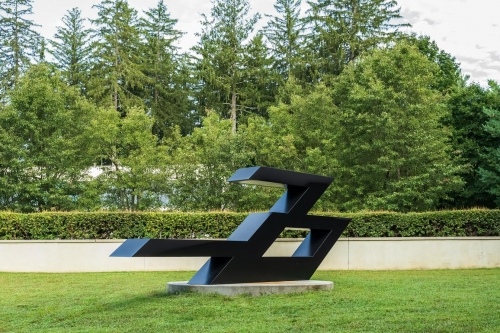 """Ronald Bladen's """"Flying Fortress"""" and """"Host of the Ellipse"""" On View at Katonah Museum of Art"""