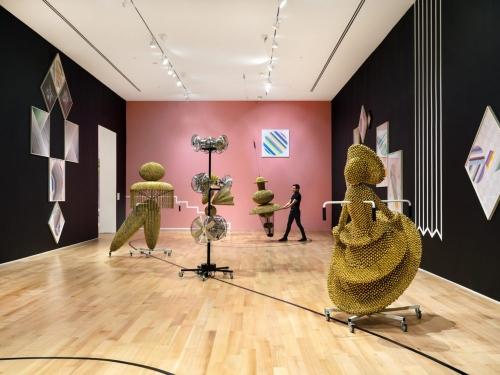haegue yang participa en the bass museum of art - miami beach con su exposicion in the cone of uncertainty