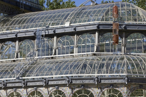 Nairy Baghramian participates in Palacio de Cristal in Madrid with her exhibition Breathing Spell (Un respiro)