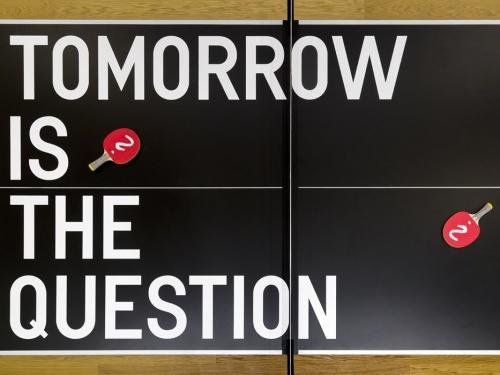 Rirkrit Tiravanija participa en Centro Pecci en Prato con su exposición Tomorrow Is The Question