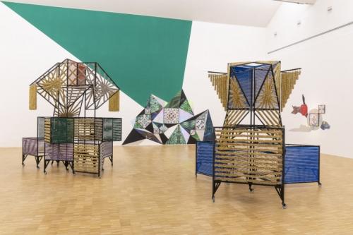 Haegue Yang participa en Fondazione Furla en Milán con su exposición Tightrope Walking and Its Wordless Shadow