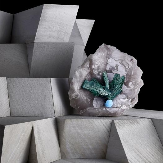 Malachite Detail Contrast Exhibition