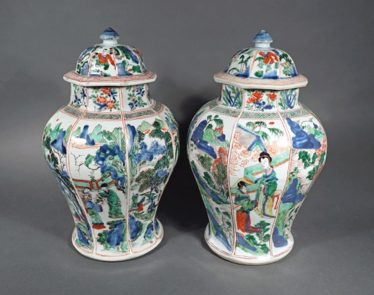 Very Rare Pair of Chinese Wucai/ Verte Glazed Octagonal Vases and Covers