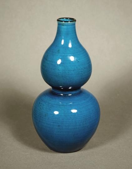 Chinese Turquoise Glazed Porcelain Double Gourd Shaped Vase
