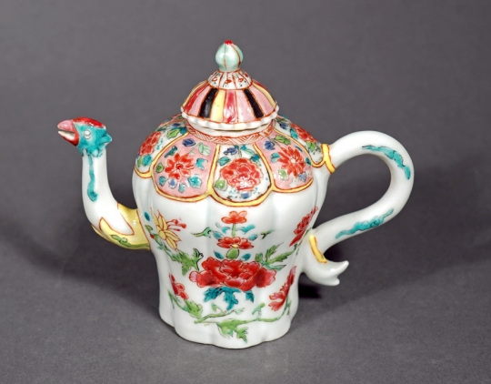 Very Fine Chinese Famille Rose Porcelain Teapot and Cover
