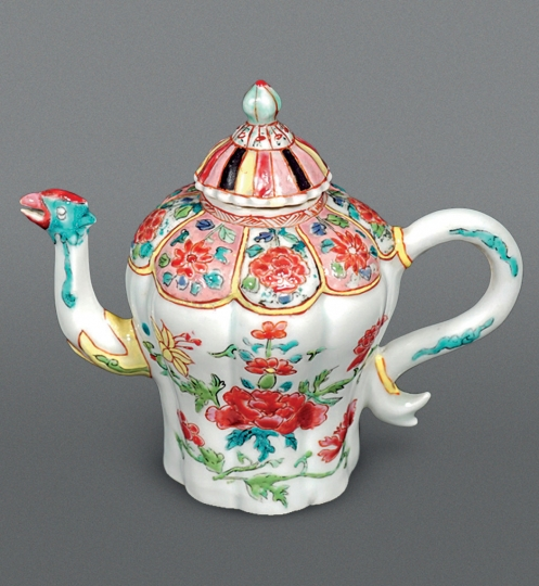 Chinese Famille Rose Porcelain Teapot and Cover