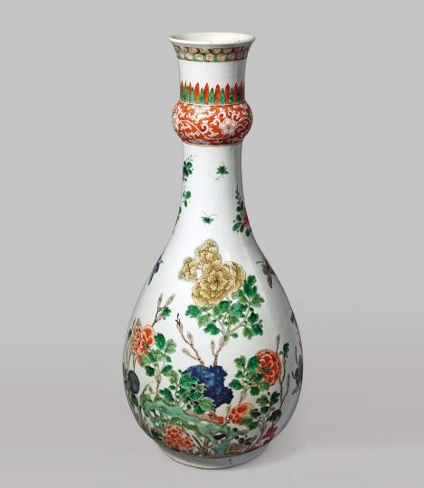 Fine Famille Verte Porcelain Garlic-Neck Vase
